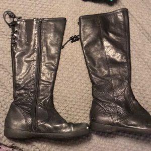 Vagabond black leather boots!